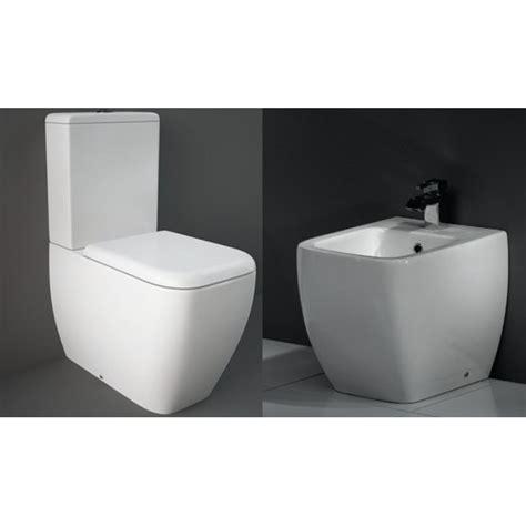 wc con cassetta esterna ideal standard rak metropolitan vaso con cassetta monoblocco e bidet