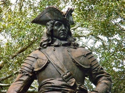 general james  oglethorpe statue  chippewa square flickr