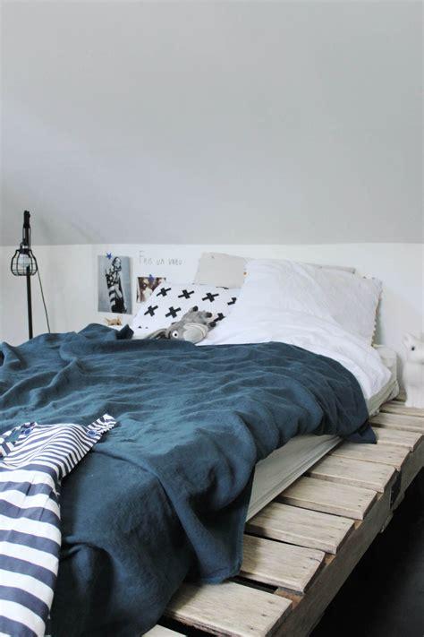 la chambre d ado tendance et moderne en noir et blanc de philippine