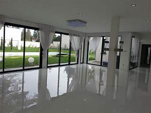 Revetement de sol en resine la tendance du moment for Salle de bain design avec résine décorative pour sol