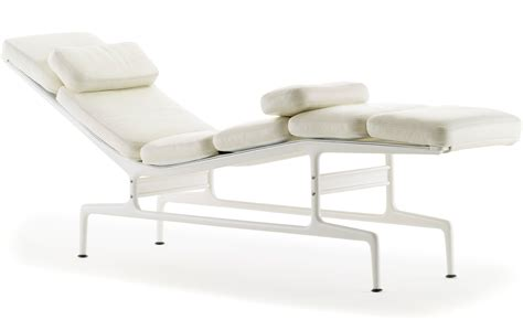 charles eames chaise eames chaise hivemodern com