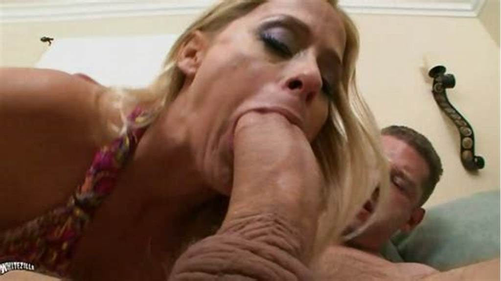 #Bombshell #Payton #Leigh #Gets #Her #Mouth #Ripped #Hard #With #Her