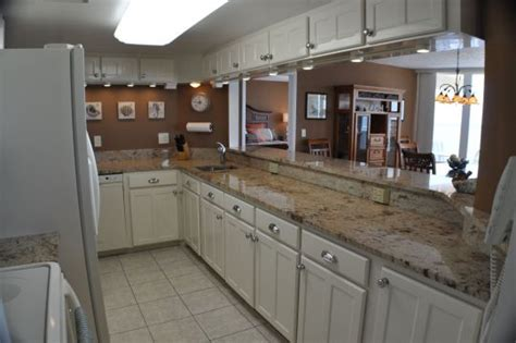 kitchen countertop designs amenities of daytona vacation rental condo with 3 1007