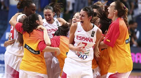 video  spanish womens olympic team doesnt