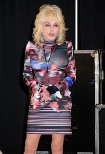 Dolly Parton Announces 2016 North American Tour In Nashville