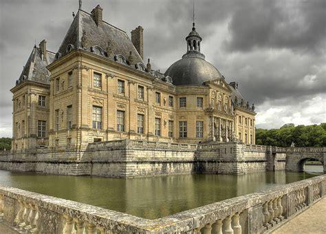 belgique interdite femmes de chambre chateau vaux le vicomte tuxboard