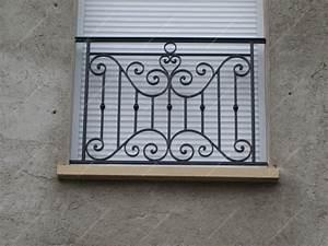 appuis de fenetre en fer forge traditionnels modele With porte fenetre fer forgé