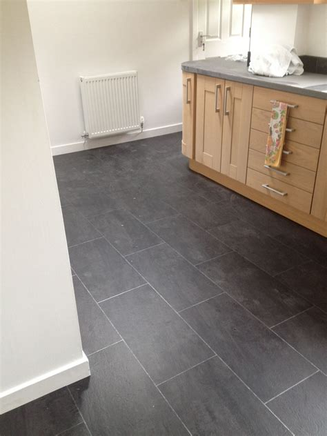 polyflor colonia welsh raven slate   ice grout strip