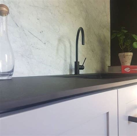 kitchen countertops and sinks best 25 carrara marble kitchen ideas on 4319