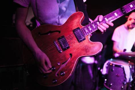 Bbc Radio 2 Launches 100 Greatest Guitar Riffs Vote