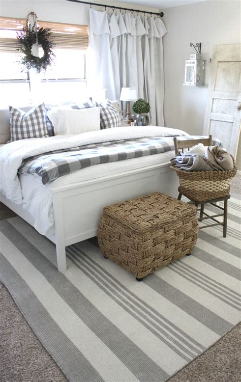 Rugs For The Bedroom by Master Bedroom Rug Makeover An Inspired Nest