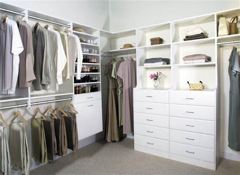 Luxury Bedroom Design With Deluxe White Walk In Closets