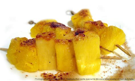 cuisine incorporé brochettes d 39 ananas caramélisé aux cinq parfums les