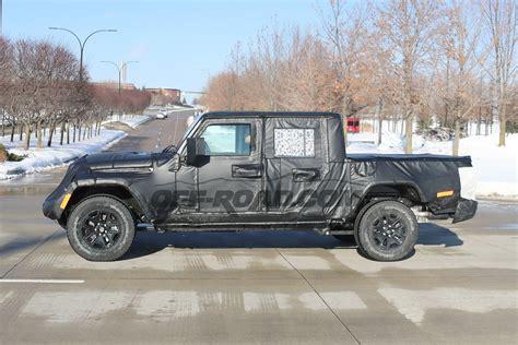 jeep scrambler pickup shows  tailgate   spy   roadcom