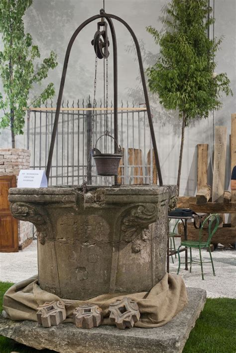 stone   pulley archi parchi outdoor