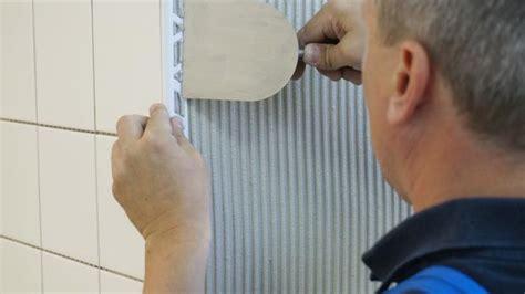 Fliesen Abschlussprofil Verlegen fliesenprofile verlegen der sch 246 nere fliesenabschluss
