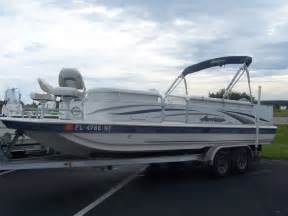 2006 Hurricane Fun Deck Boat