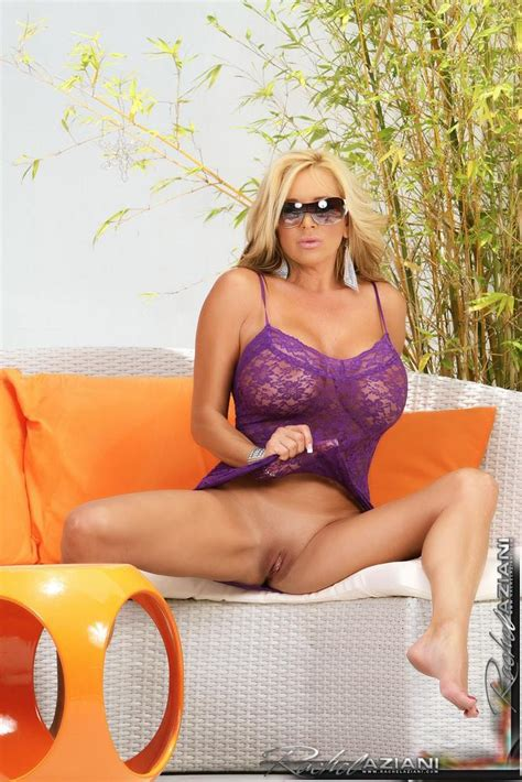 Busty Rachel Aziani Lifts Her Dress Shows Her Pink