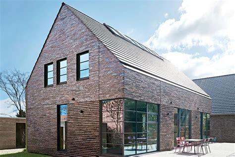 Einfamilienhaus Mit Loft Im Haus by Satteldachhaus Mit Loft Feeling Moderne Tradition Mit