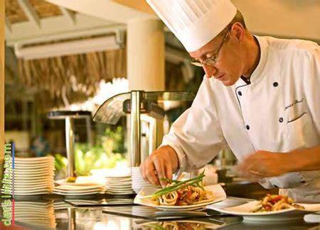 chef de cuisine connu sıcak mutfak aşçısı ile ilgili doğru güncel bilgi kaynaklari