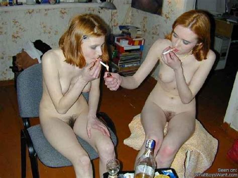 In Gallery Group Of Girls Show Hairy Pussy