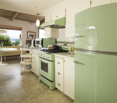 green appliances kitchen 25 pastel kitchens that channel the 1950s 1346