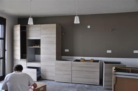 kamasoutra dans la cuisine arrivée et montage de la cuisine le de soso construction maison bois