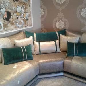 un tres beau salon marocain moderne gris bleu turquois par With tapis yoga avec canapés marocains modernes
