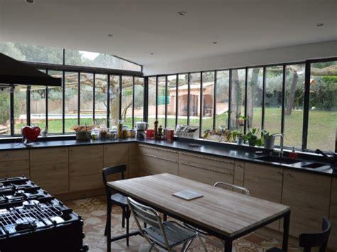 cuisine al ancienne une verrière à l 39 ancienne pour une cuisine dans un jardin
