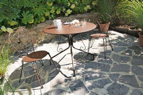 salon de jardin en bois plastique m 233 tal comment choisir entretenez et embellissez votre