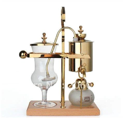 This coffee maker is for the coffee connoisseur who has everything. Royal balancing siphon coffee maker   Syphon coffee maker ...