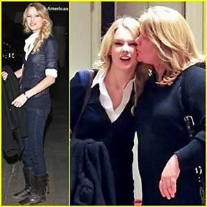 Taylor Swift Mom and Dad   ... taylor swift مع عايلتها ...