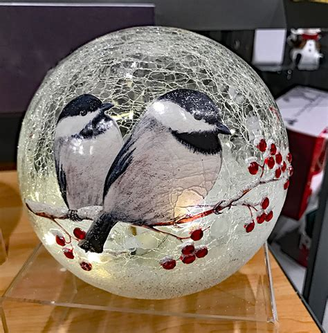 battery operated lighted crackle glass globe