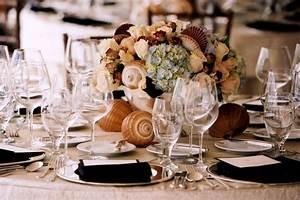 deco table mariage 45 compositions florales pour l39ete With chambre bébé design avec centre de table fleurs mariage pas cher