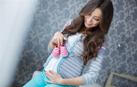 Can Your Pregnancy Symptoms Tell You if You're Having a ...