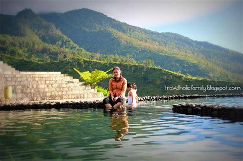 travelholic family umbul sidomukti