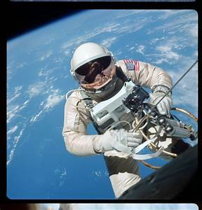 NASA releases hi-res restored photographs from the Gemini ...