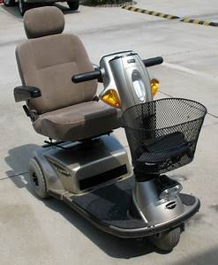 Pride Legend 3 Wheel Scooter Manual E300  Mobility Scooter