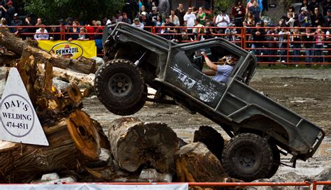 Mud Bogging 4x4 Offroad Race Racing Monster Truck Race
