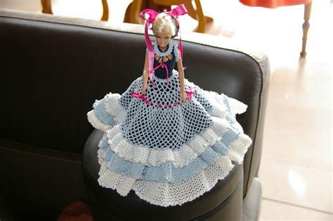 crochet robe princesse froufrous pour barbie tutoriel