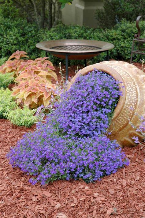 foto vasi di fiori vasi di fiori 30 idee originali per illuminare il tuo