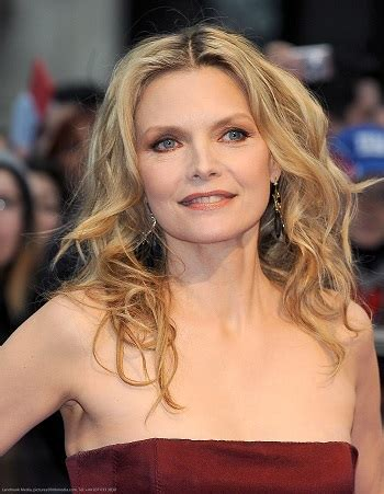 hairstyles michelle pfeiffer long curled hairstyle