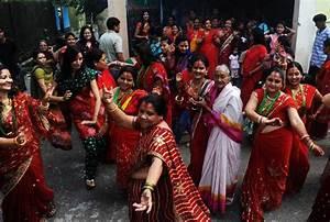 Celebrating marriage in Nepal - World - DAWN.COM