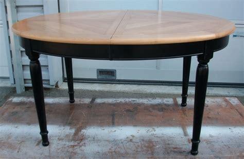 repeindre une table de cuisine en bois table de style louis philippe en merisierart 39 ébèn