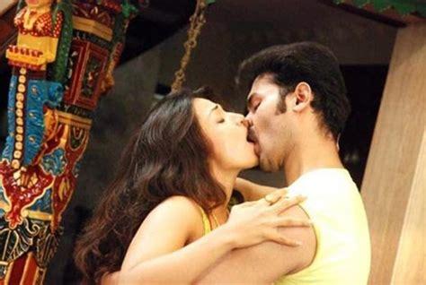 asha saini hot kiss pics stills south wood gallery