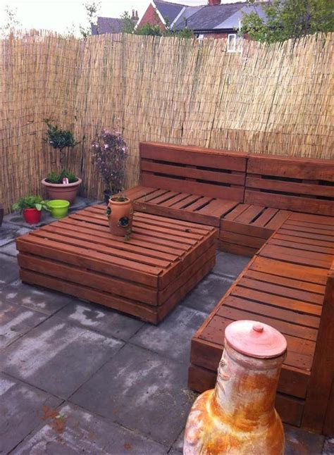 Quiet Corner:Wonderful Wood Pallet Outdoor Furniture Ideas