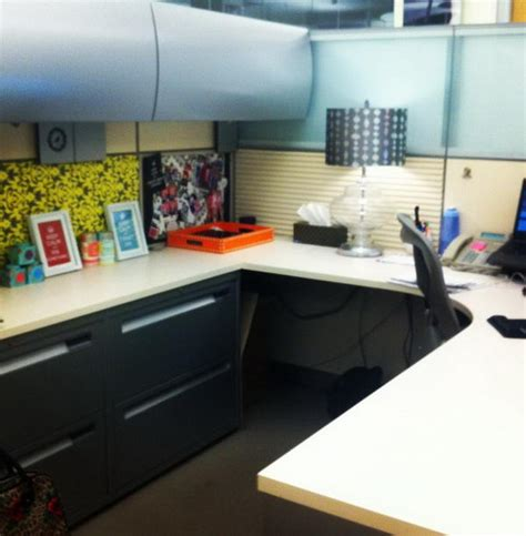 work desk decoration ideas 20 creative diy cubicle decorating ideas hative