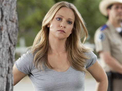 A.J. Cook 2018: Husband, tattoos, smoking & body measurements - Taddlr