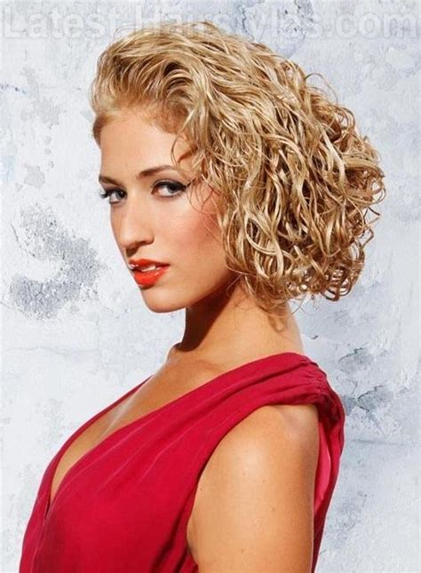 fabulous ways    bob hairstyles  curls pretty designs