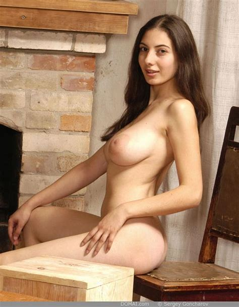 DOMAI - Pretty Girls Nude Beautiful Women Simple Tasteful Nudes Quality Artistic Photos Nude Art